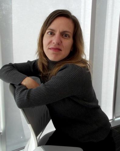 Daniela Tarazona en silla