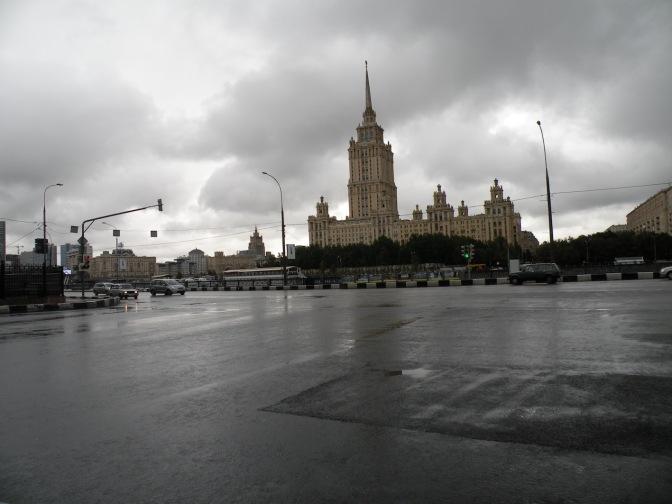 lluvia en calle moscovita