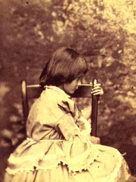 4_alice-pleasance-liddell-1858