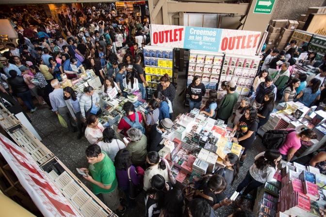 54-11 Gran Remate de Libros Auditorio Nacional-11 de Abril de 2017-Fotográfo Carlos Alvar