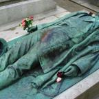 Ritos de la fertilidad: Del asesinato y la tumba de Victor Noir